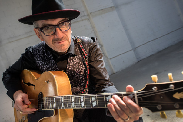 Elvis Costello (foto James Omara)