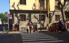 Firenze, traffico: zona Cure-Don Minzoni, dopo le proteste sono apparsi i vigili e cambia il ritmo del semaforo