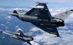 Grosseto Aeronautica militare: caccia Eurofighter  in volo per identificare un Boeing 749 dell'Arabian Airlines