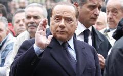 Milano: Berlusconi al San Raffaele in attesa di essere operato. La telefonata di Matteo Renzi