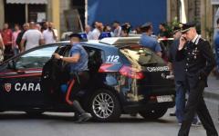 Firenze: duplice omicidio in via Fiume, una terza persona ferita. Ricercato un uomo