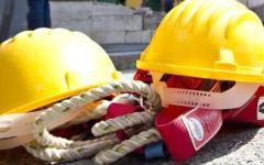 Foiano della Chiana: operai cadono per il cedimento di una lastra in eternit. Uno è grave