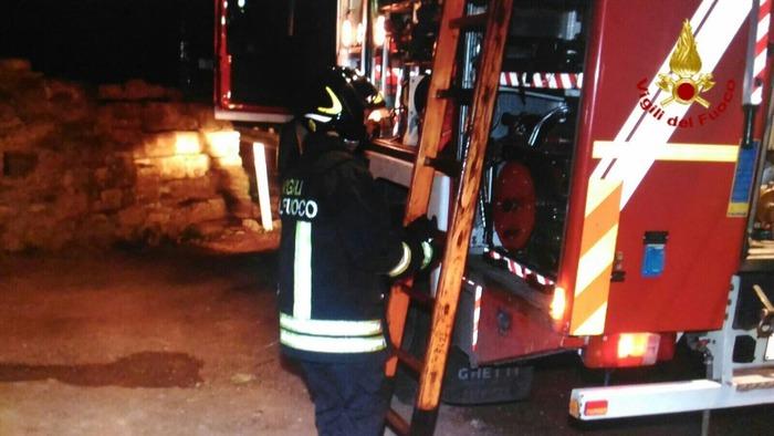 In Fiamme capannone dormitorio migranti a Sesto Fiorentino, un morto FOTO