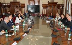 Sicurezza nelle discoteche: Il ministro Alfano sottoscrive un accordo fra gestori e Viminale