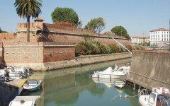 Livorno: 50enne si suicida gettandosi dal ponte di Calignaia davanti ai bagnanti