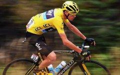 Ciclismo, Tour de France: terzo trionfo per Chris Froome. A André Greipel l'ultimo sprint sugli Champs-Élysées