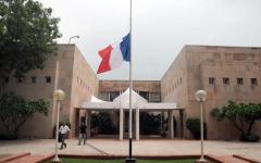 Nizza: sono 31 gli italiani ancora da rintracciare. Non c'è ancora la lista ufficiale delle vittime