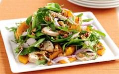 Estate 2016: cambia il menù da spiaggia degli italiani, insalata di riso, di pollo o di mare