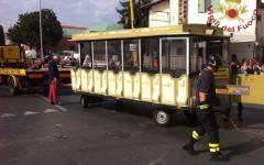 Pisa: sei turisti feriti nel ribaltamento del trenino