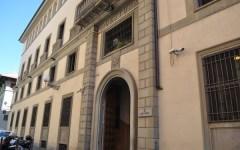 Firenze: 17enne deruba turista Usa. Poi morde una poliziotta