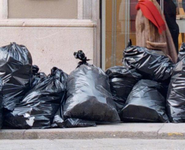 Rifiuti spazzatura sacchi
