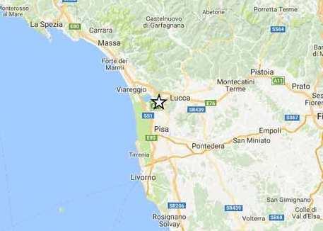 Terremoti: scosse in Toscana, gente in strada a Lucca