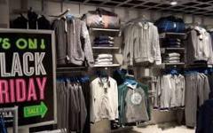 Black Friday: grande successo di vendite per smartphone e tablet, vestiti e articoli per la casa