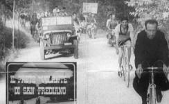 Don Danilo Cubattoli, in una delle sue sfide in bicicletta