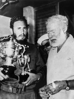 Fidel Castro insieme a Ernst Hemingway