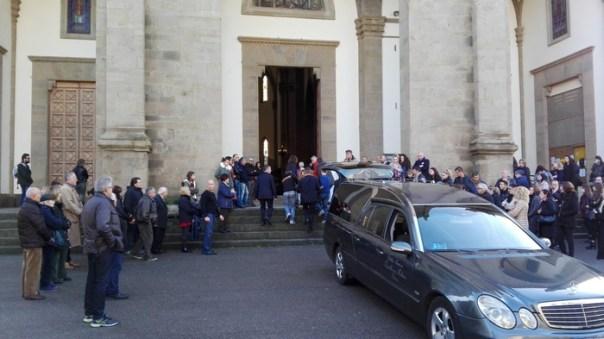 Crollo villetta: funerali di Valentina Auciello