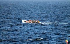 Migranti: altri 249 morti nel mediterraneo nel naufragio di due gommoni al largo della Libia