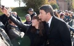 Facebook Renzi, foto: Tutte tranne il disabile, la frase choc cancellata dal sito del premier