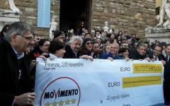 Firenze, restitution Day: Grillo e il M5S restituiscono allo Stato oltre 80 milioni, gli stipendi dei loro parlamentari