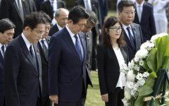 Pearl Harbour (Hawaii): primo ministro Giapponese Abe rende omaggio alle vittime del 7 dicembre 1941. Con Obama