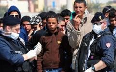 Sicurezza: diktat di Gabrielli a prefetti e questori, espulsione immediata dei migranti irregolari