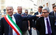 Governo: anche la sinistra boccia Renzi. Vendola contro Pisapia
