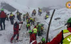 Rigopiano: recuperati nella notte altri tre corpi, i morti salgono a 12, 17 i dispersi. Continuano le ricerche