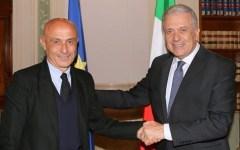 Immigrazione: raffica di riunioni di Minniti. Si muove anche la presidenza Ue. Un piano per contenere gli arrivi