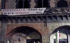Prato: manichino tricolore impiccato in piazza delComune