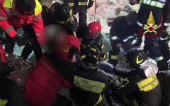 Rigopiano, i vigili del fuoco di Firenze e Pisa : «Noi della squadra Usar Medium abbiamo trovato persone vive. E cerchiamo ancora...»