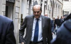 Banche, Bersani a Firenze: «La Boschi dica la verità sulla vicenda Etruria-Unicredit»