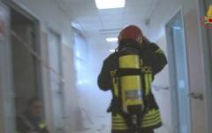 Campi Bisenzio: gas in una scuola, evacuati i bambini, intervengono i vigili del fuoco