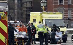 Terrorismo, attacco a Londra: raid della polizia a Birmingham. Arresti, anche nella casa dell'attentatore