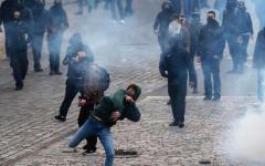 Francia: Marine Le Pen contestata da estremisti di sinistra, lancio di molotov e incidenti