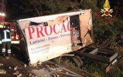 Alberese (Gr): Furgone esce fuori strada sull'Aurelia, traffico interrotto per tre ore