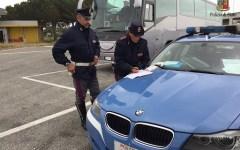 Livorno: autista del bus stanco, gita scolastica interrotta dalla Polizia stradale
