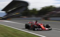 Automobilismo, G.P. Spagna: pole a Hamilton, seconda la Ferrari di Vettel