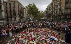 Barcellona: volevano far saltare la Sagrada Familia. Killer in fuga. Imam ricercato