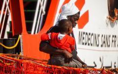 Migranti, Ue: le Ong che non firmano il codice di condotta non potranno attraccare nei porti italiani