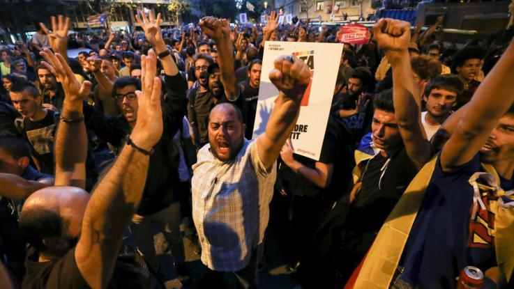 Catalogna, contromossa di Puigdemont: chiede due mesi di dialogo