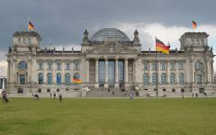 Germania: approvata legge che limita immigrazione irregolare e concessione diritto asilo