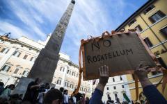 Elettorale: iniziano i voti di fiducia (tre articoli). M5S e Mdp scendono in piazza a Roma