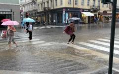 Meteo Firenze: allerta codice giallo fino al 22 sera per vento e temporali