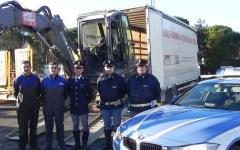 Arezzo: ruba pala meccanica in cantiere, bloccato dalla Polstrada