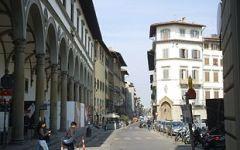 Firenze: studente americano nudo e ubriaco in centro città denunciato e multato dalla Polizia municipale