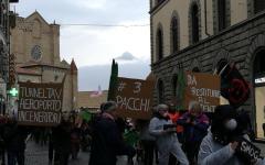Firenze: corteo contro grandi opere, tunnel Tav, aeroporto, termovalorizzatore