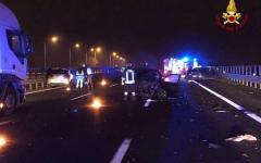 Firenze A1: quattro persone ferite, una grave, nello scontro fra tre auto e un camion