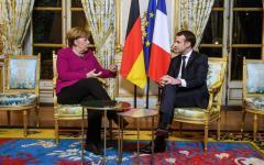 Parigi: Macron e Merkel discutono sul futuro dell'Europa, e l'Italia resta a guardare