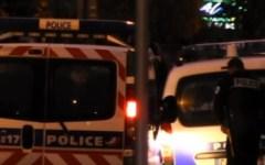 Parigi: due poliziotti linciati dalla folla in una banlieue della Capitale. L'ira del presidente Macron