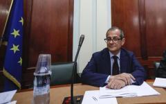 Manovra, Tria scrive all'Ue: «Mi auguro dialogo aperto. Governo italiano compatto»